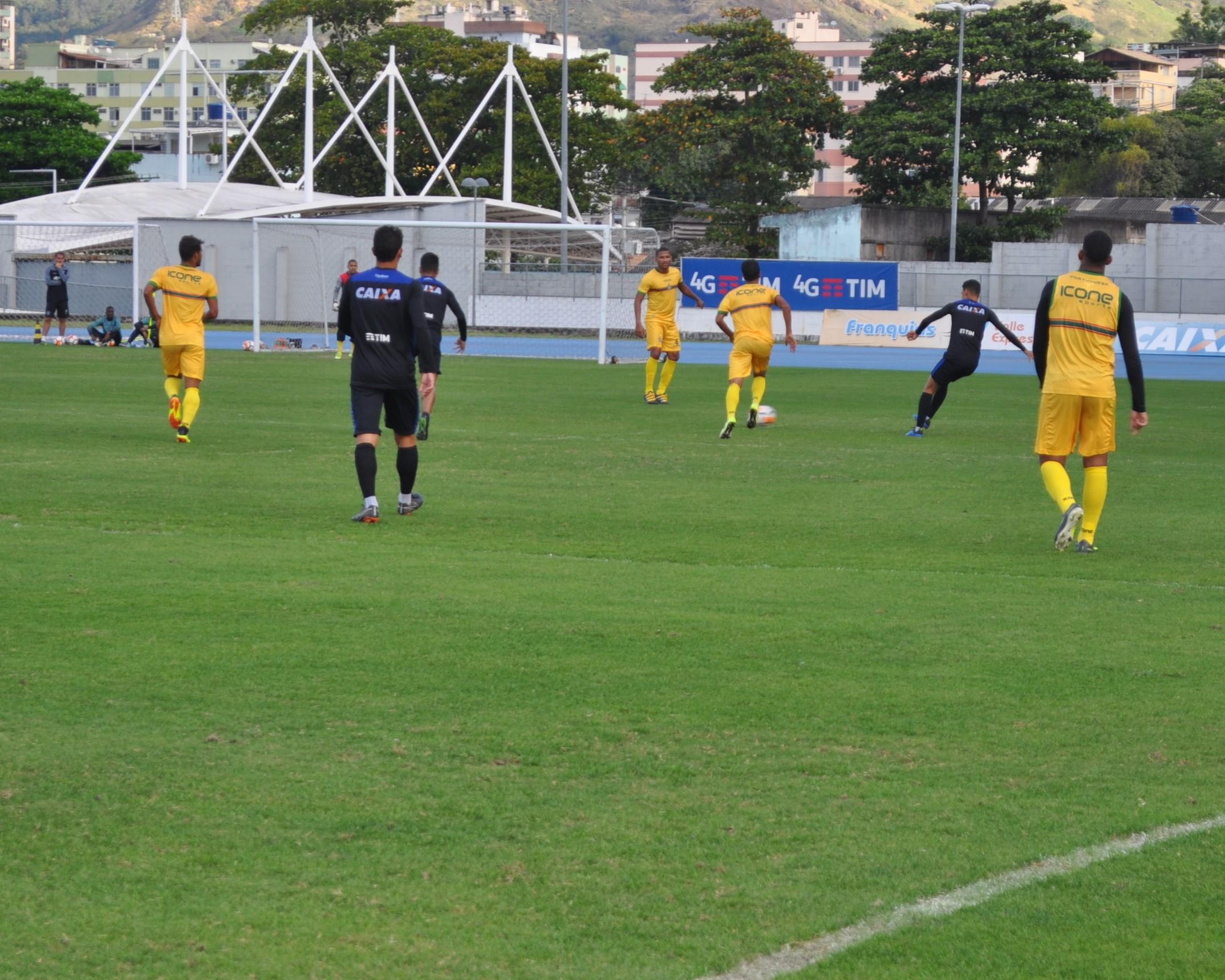 Lusa realiza jogo-treino com Botafogo para testar equipe ... bb02e624663c8